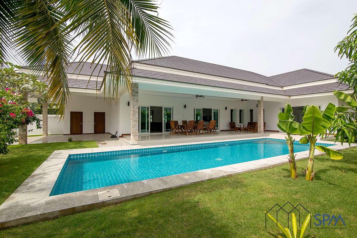 Near Golf Luxury Pool Villa for Sale at Palm Villas, Near Palm Hill Golf