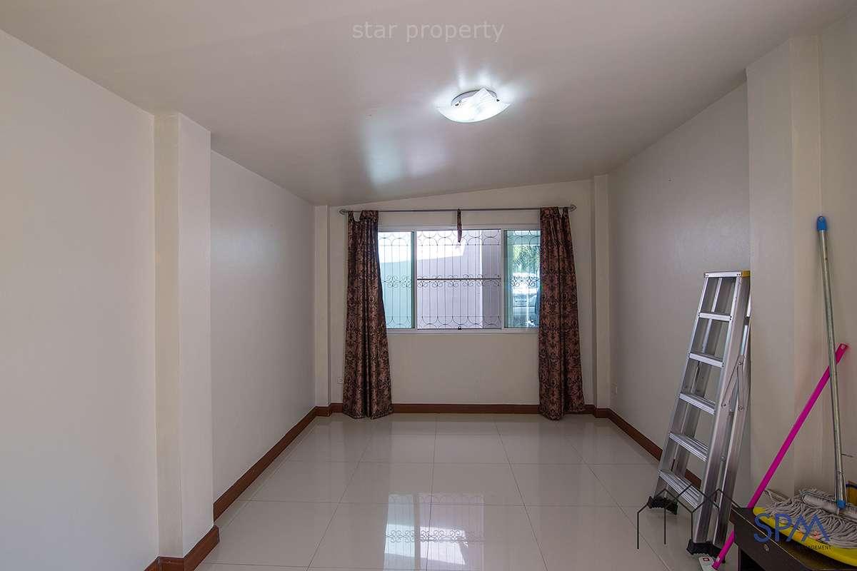 hua hin large 4 bedroom villa for sale