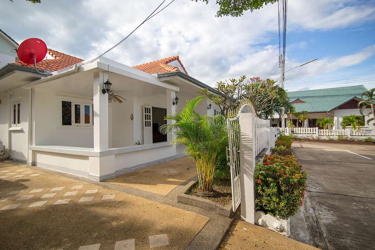 3 Bedroom House for Sale at Tropical Hill 2 Soi 58