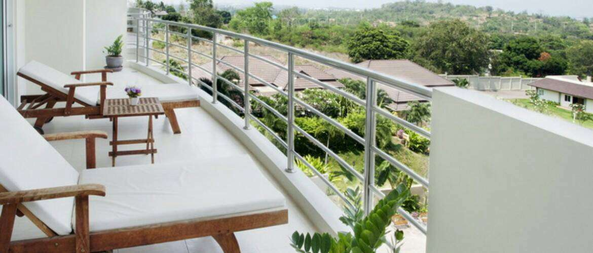 2 bedroom Villa near town for sale