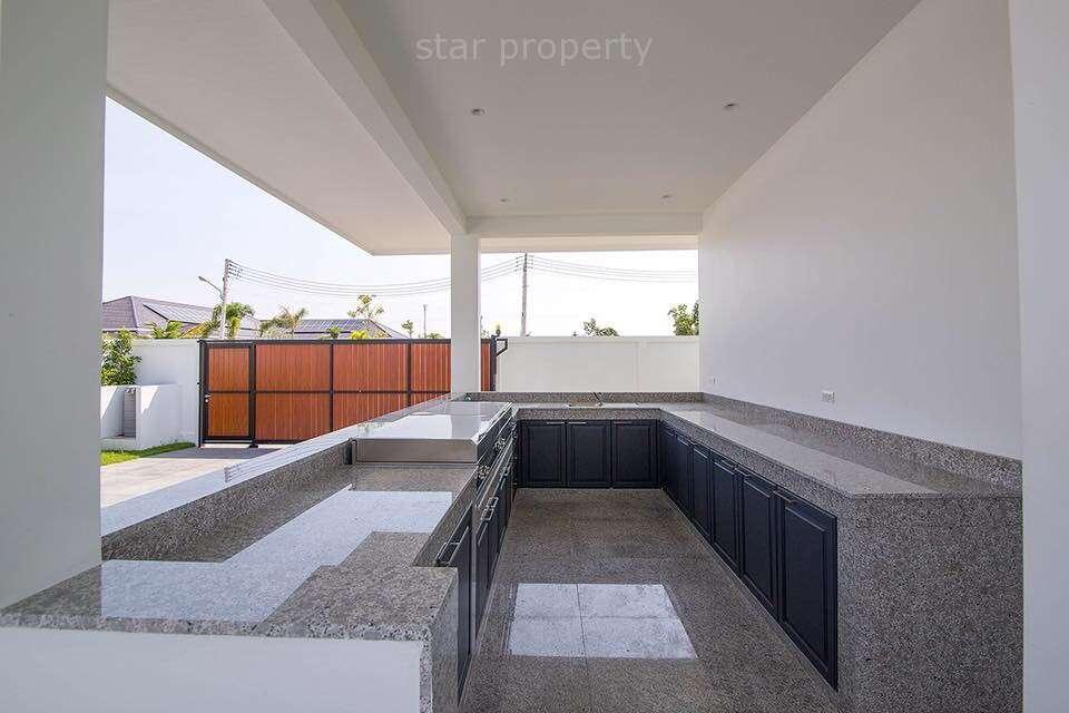 good price 2 Garage villa for  sale