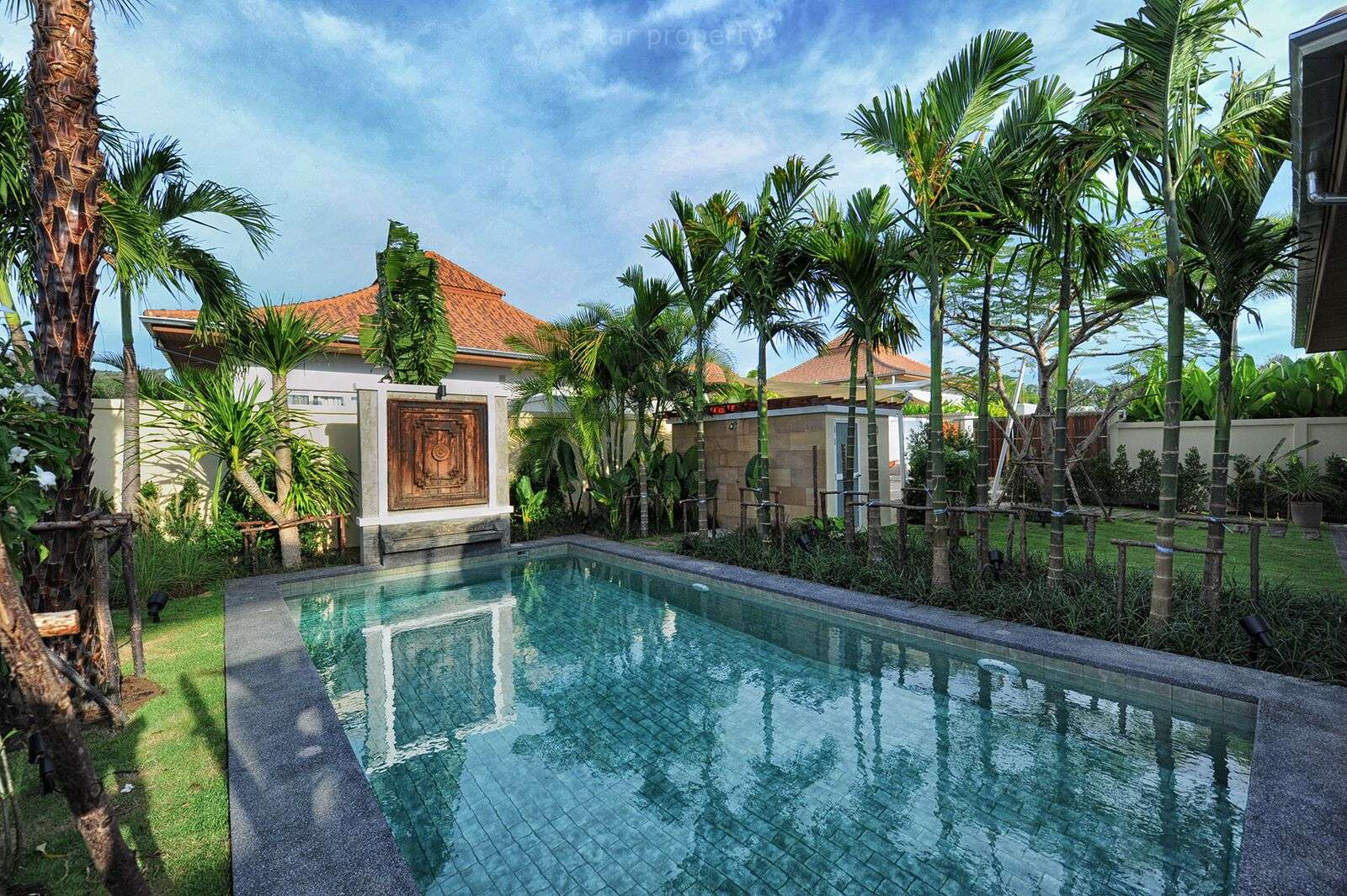 Modern 3 Bedroom Pool Villa for Rent at The View, Soi 88