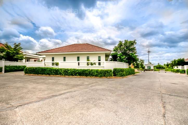 Luxury Modern 3 Bedroom Pool Villa for sale at 10 KM WEST White stone Villa