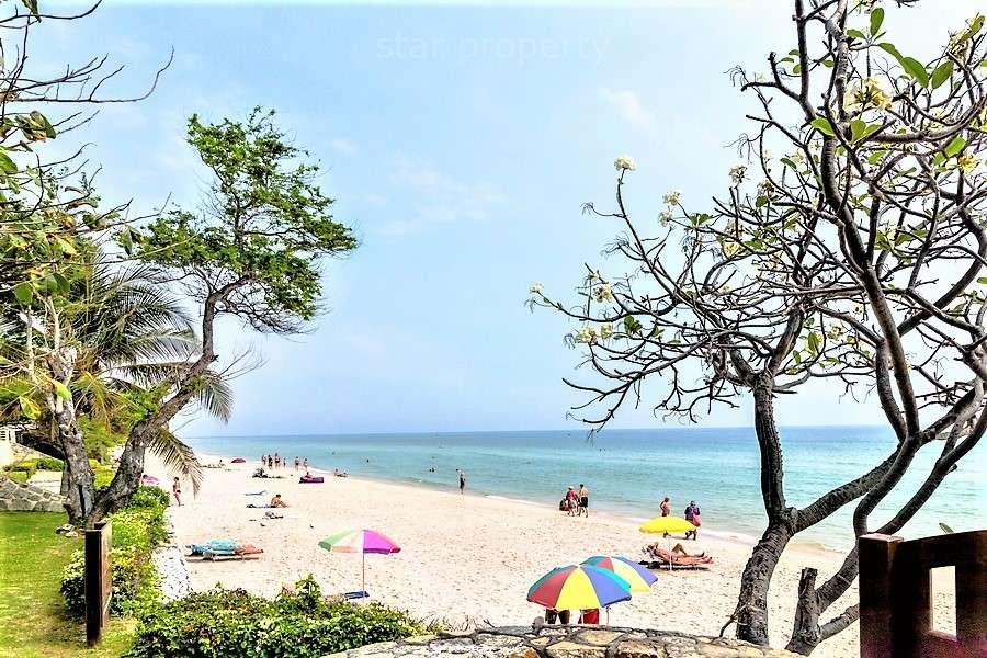 Luxury 2 Bedroom Condo in an Exclusive Resort for sale at Baan Seachuan