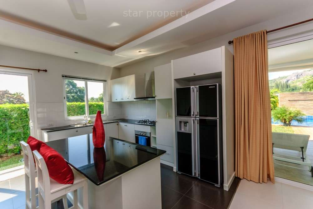 Located close to beaches and Royal lake in Kao Tao, between Hua Hin and Pranburi