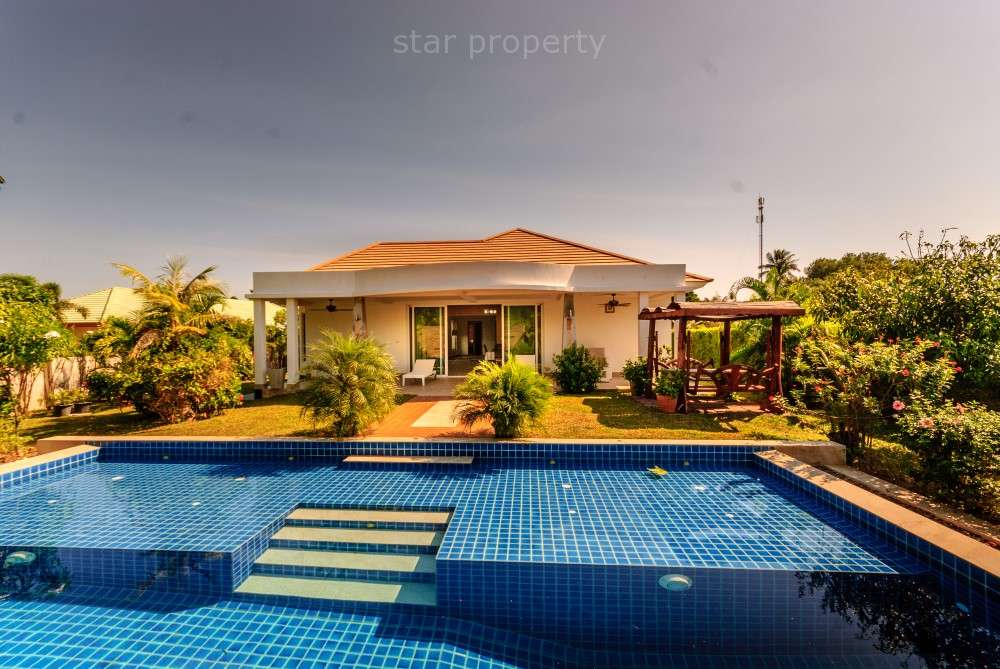 Luxury Grand 3 Bedroom Pool Villa for sale at Located close to beaches and Royal lake in Kao Tao, between Hua Hin and Pranburi