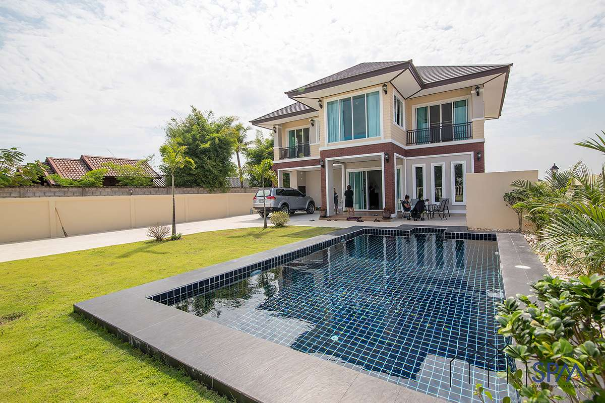 Colonial Two Story Villa with Pool for Sale at Soi Wadnicro Hua Hin Soi 70