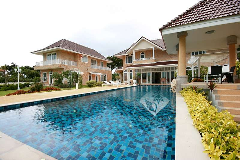 Luxury Two Storey Villa for Sale on Golf Course at Palm Hills