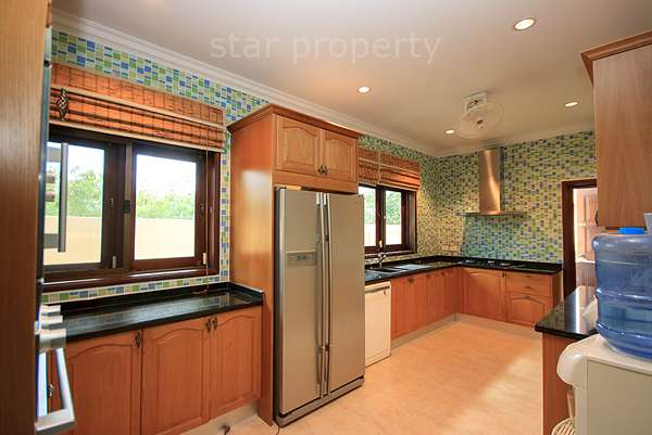 coconut garden soi 70 villa for sale