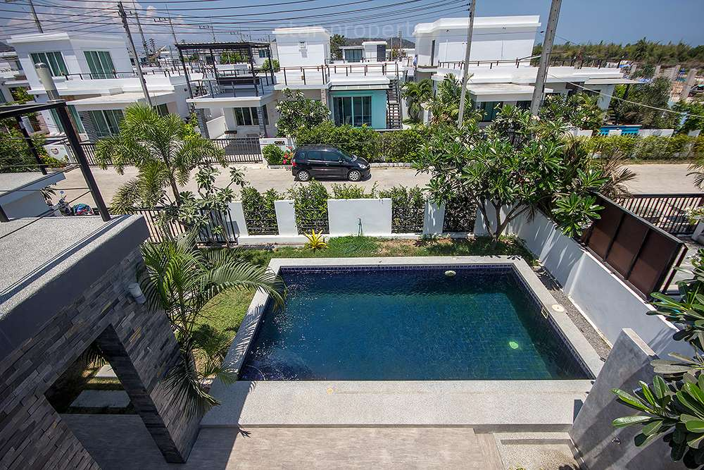 hua hin sale condo cheap price near beach