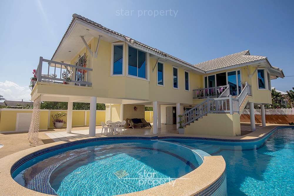 Spacious House with Big Pool for Sale at Hua Hin District, Prachuap Khiri Khan, Thailand