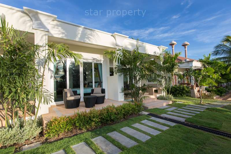 hua hin center town house for sale