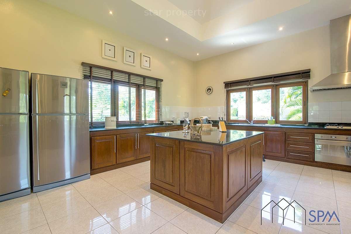 6 bedroom pool villa for sale