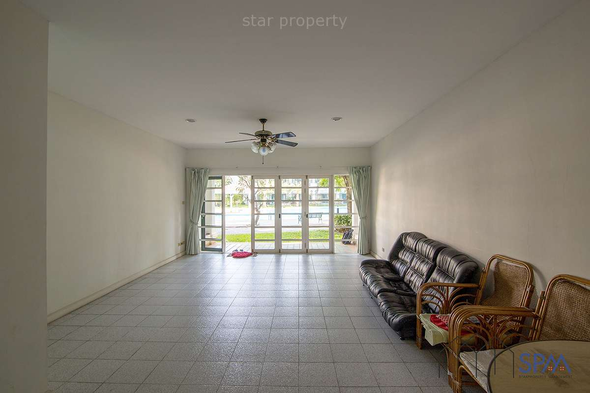 large townhouse in khao takiab hua hin for sale