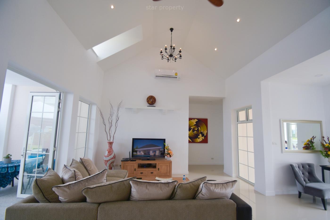 Modern open plan villa for sale