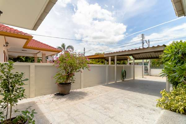 Good Quality 3 Bedroom Pool Villa Close to Town at Baan Jack Hill