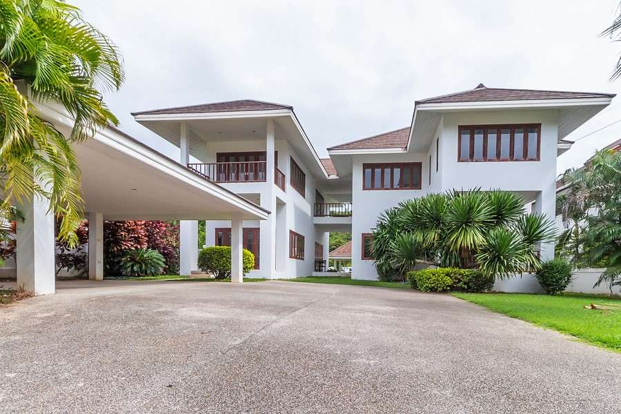Great Quality 2 Storey Pool Villa for sale at The Avenue88 Village