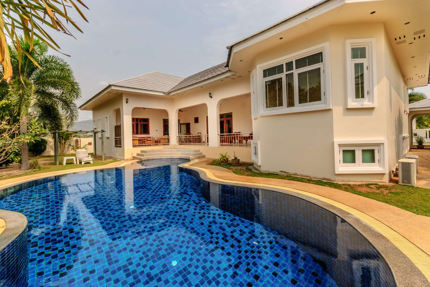 Top Quality 3 Bedroom Pool Villa at Near Black Mountain Water Park & Golf Course