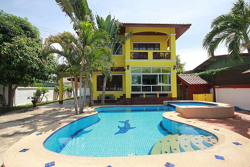 Beautiful 2 Storey House for sale at Hua Hin District, Prachuap Khiri Khan, Thailand