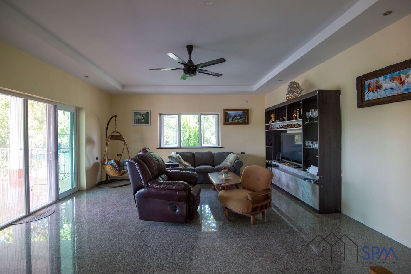 Built-in kitchen villa for sale good price