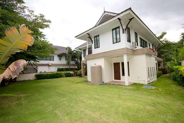 Beautiful House in Town for Sale at Hua Hin District, Prachuap Khiri Khan, Thailand