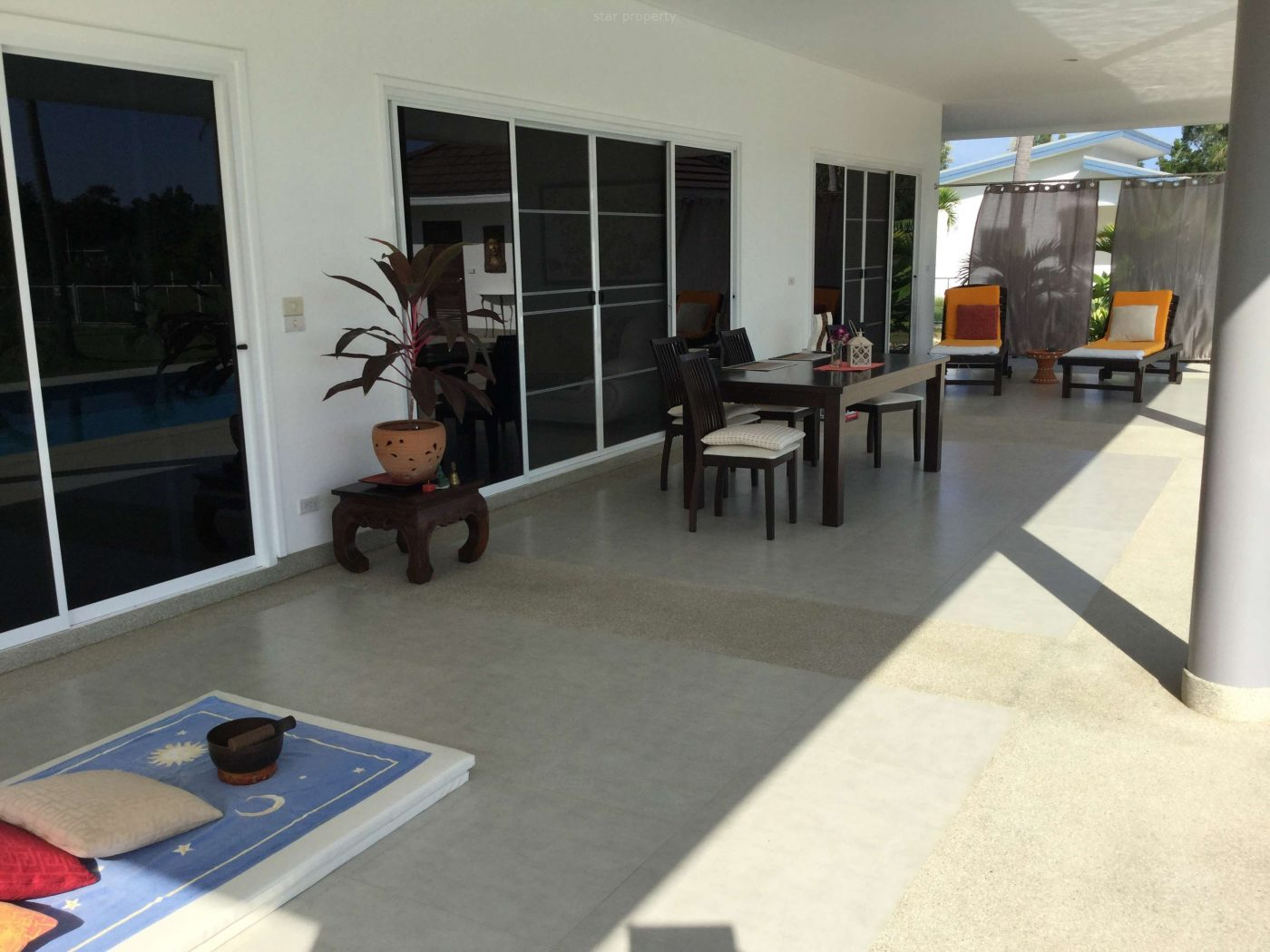 6 bedroom villa for sale
