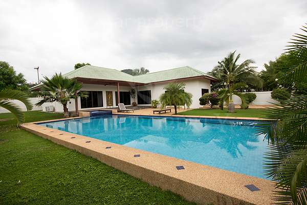 4 bedroom pool villa for sale