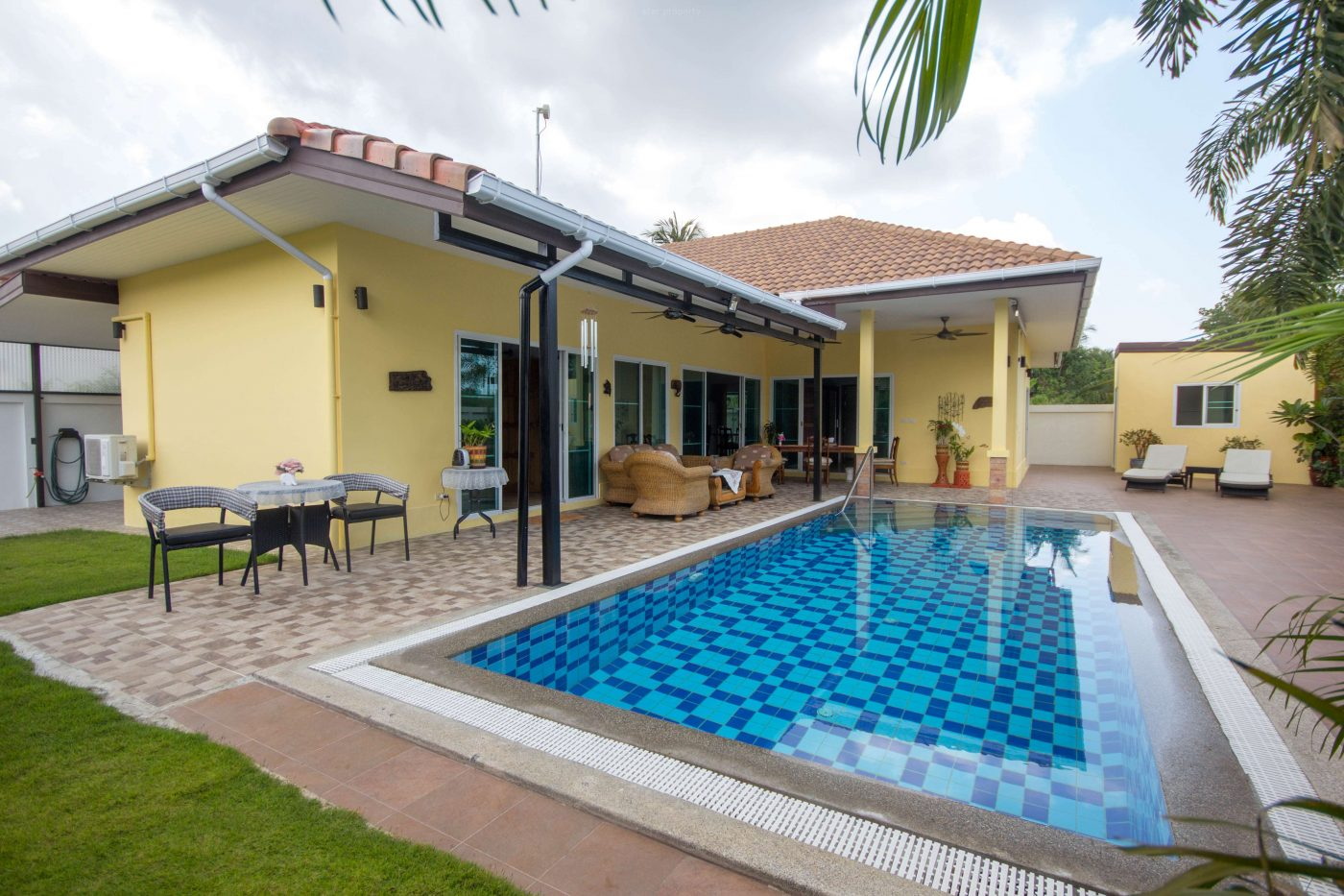 Luxury 3 bedroom pool villa for sale