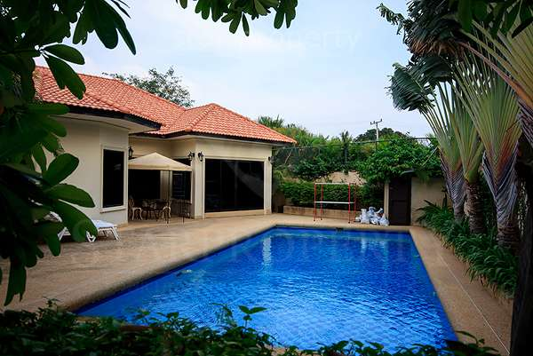 Bungalow for Sale with Private Pool at HuaHin Soi 114