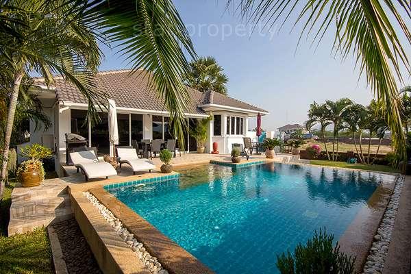beautiful  villa for sale