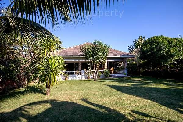 Black Mountain Golf View House for sale at Hua Hin District, Prachuap Khiri Khan, Thailand