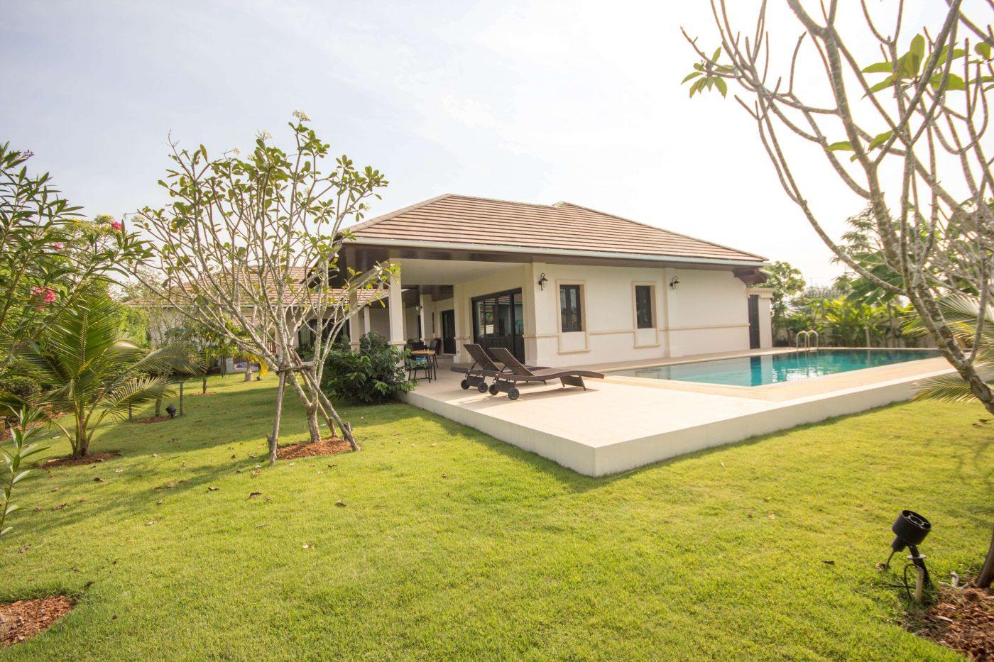 Luxury Bali Style Villa With Private Pool for sale Soi 88 at Hua Hin District, Prachuap Khiri Khan, Thailand