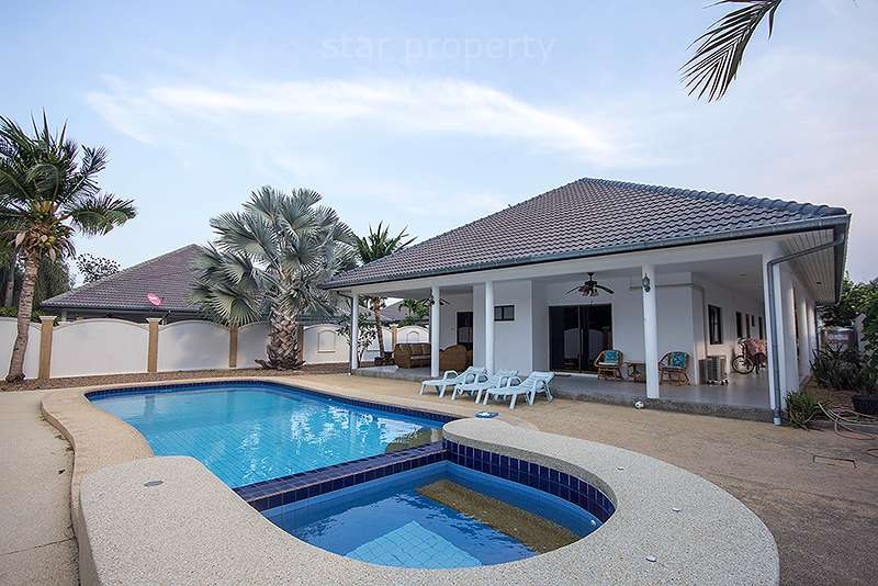 Beautiful Villa in Sunset Village Soi 6 for sale at Hua Hin District, Prachuap Khiri Khan, Thailand