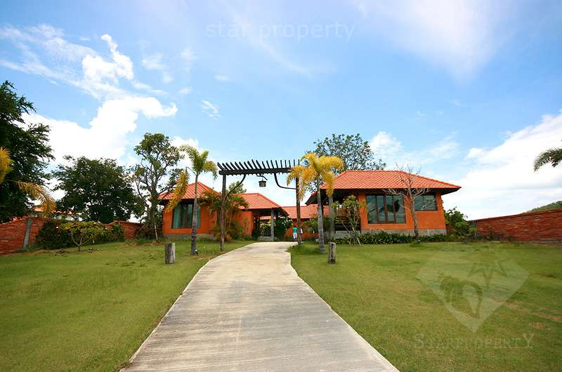 Beautiful Home at Palm Hills Golf Course for sale at Hua Hin District, Prachuap Khiri Khan, Thailand