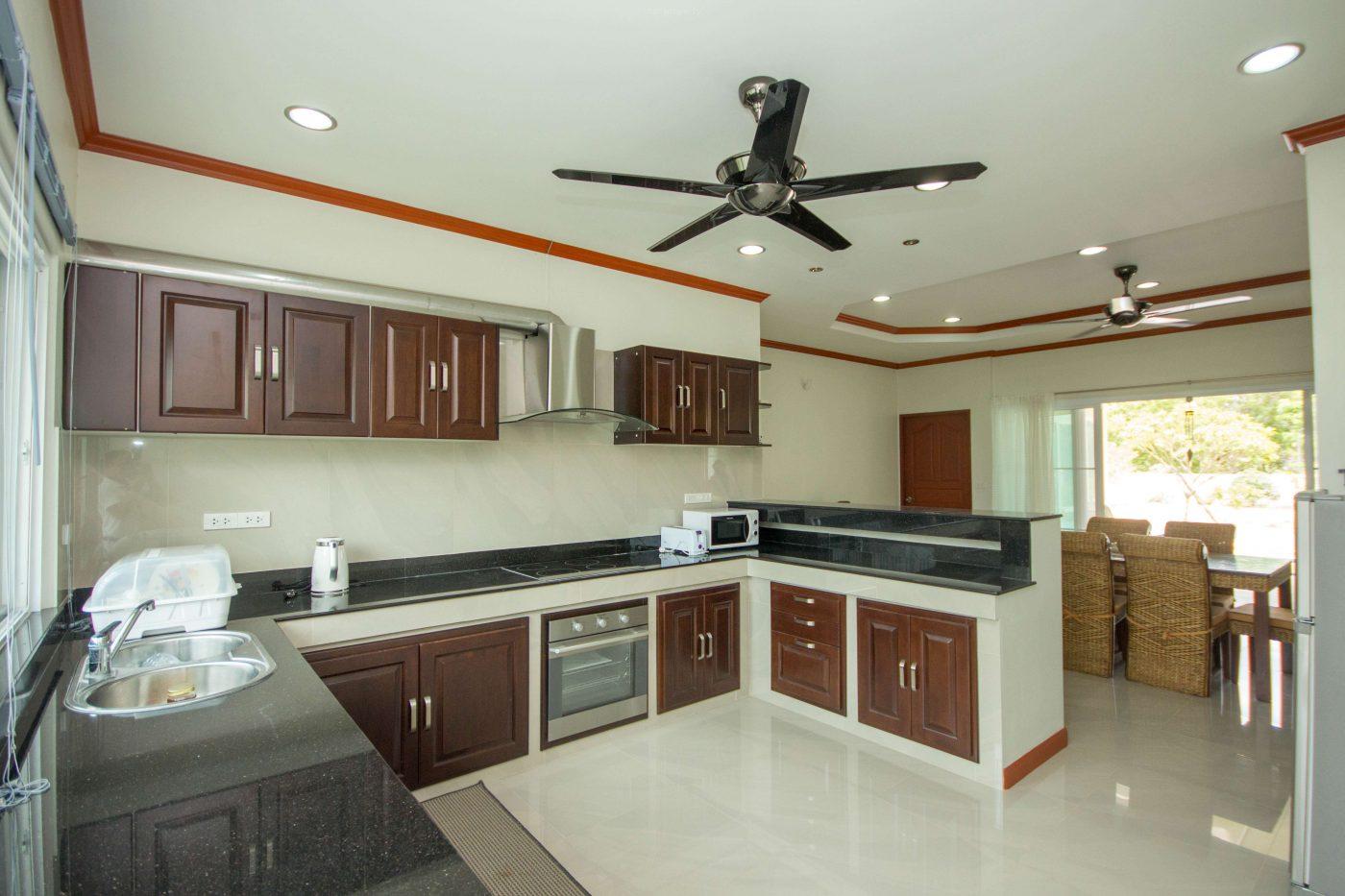 villa for sale hua hin