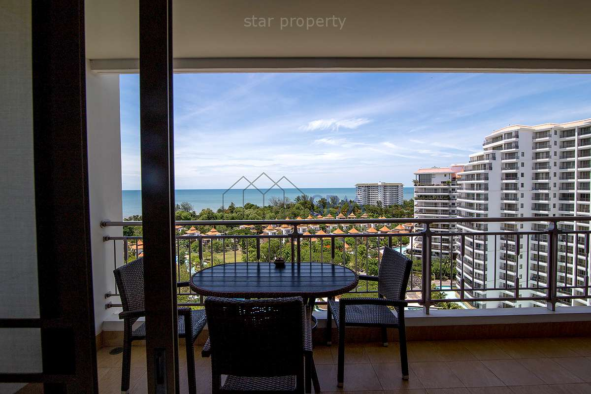 Near Golf beachfront large 1 bedroom condo for sale