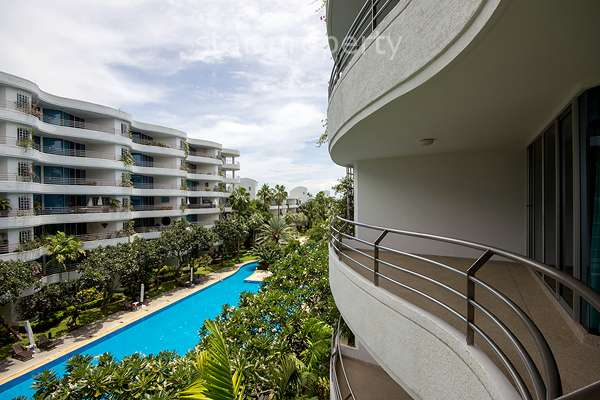 Beautiful Condominium For Rent at Baan Chaytalay