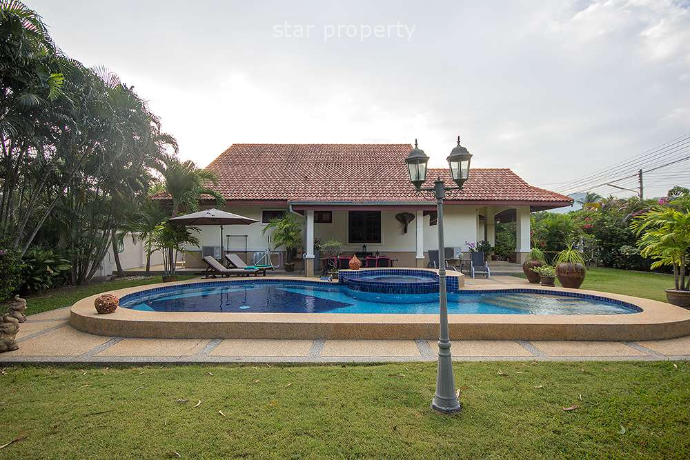 Beautiful Villa with Private Pool for Sale