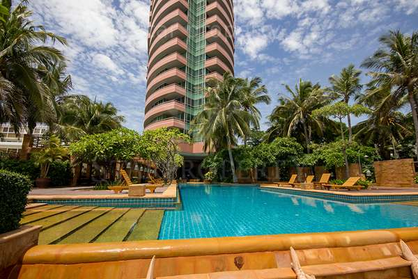 Beautiful Condominium  in Hua Hin for Rent at Esplanade Condominium