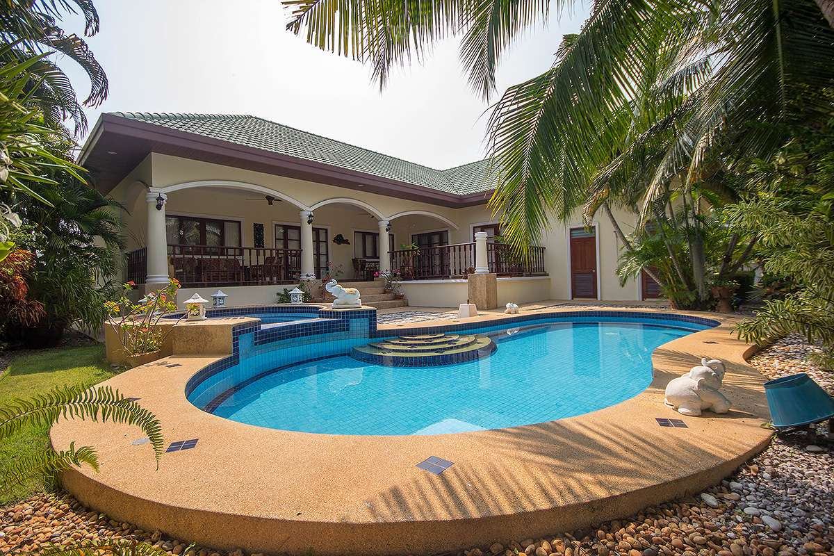 Exclusive Pool Villa For Sale Hua Hin Soi 126 at Stuart Park