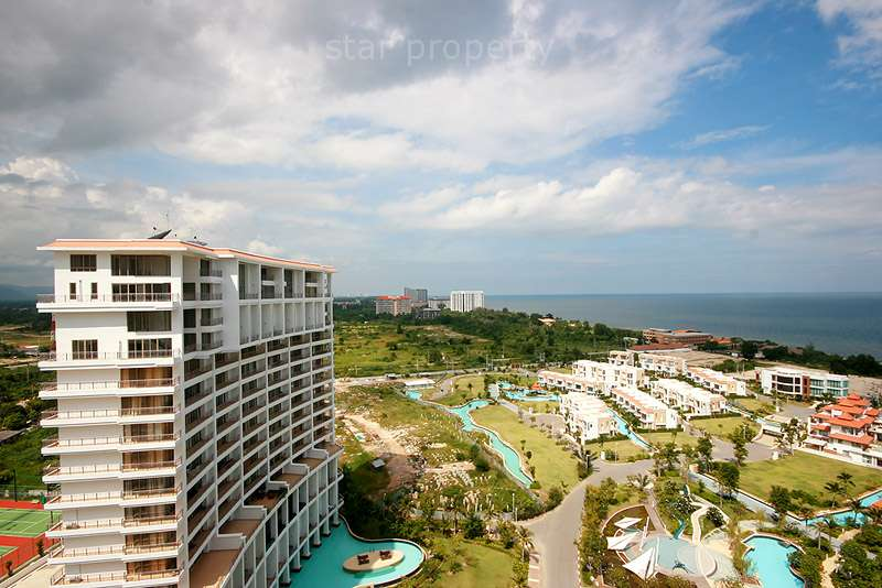 Beautiful Condominium with Sea View for Rent at Boat House