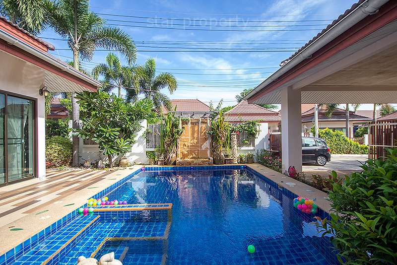 Bungalow for Rent with Private Pool at Baan Araya 102 at Baan Araya 102
