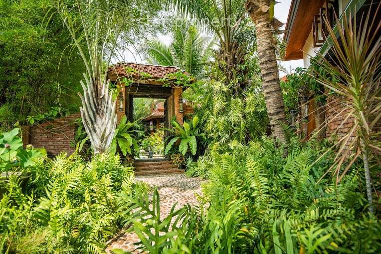6 Bed Thai-Balinese Styled House at Popular Palm Hills Golf Course