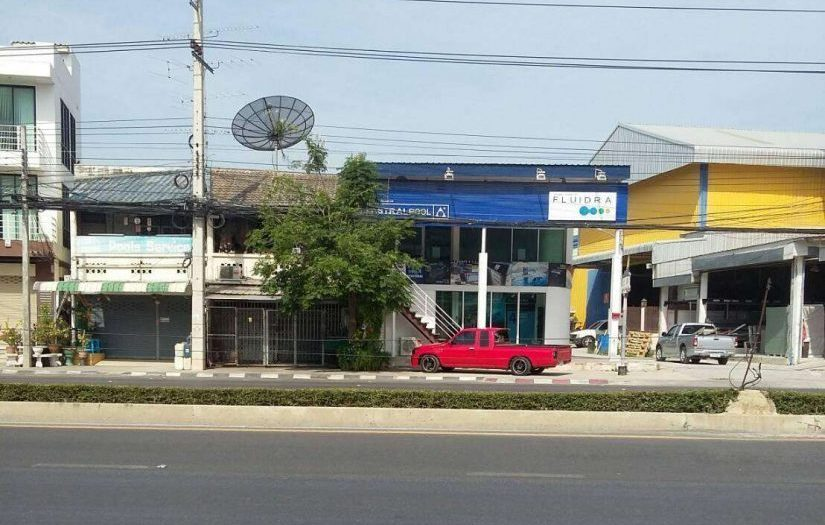 A Commercial Unit on Main Road Hua Hin for Sale at Phetkasem Road