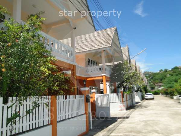 Townhouse for Rent near Beach at Townhouse for rent at Khao Takeib