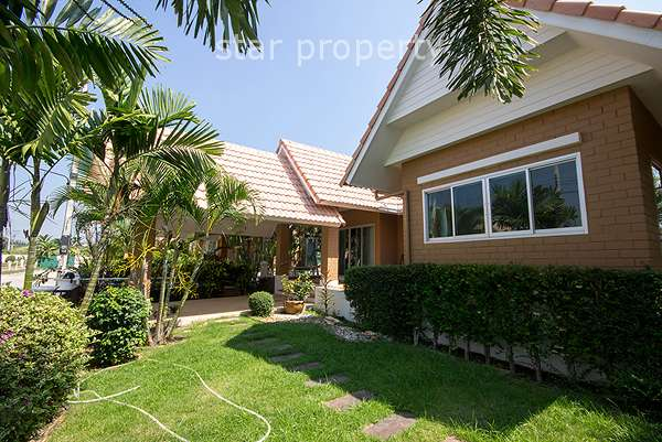 Bungalow in Hua Hin for rent at Dusita Residence