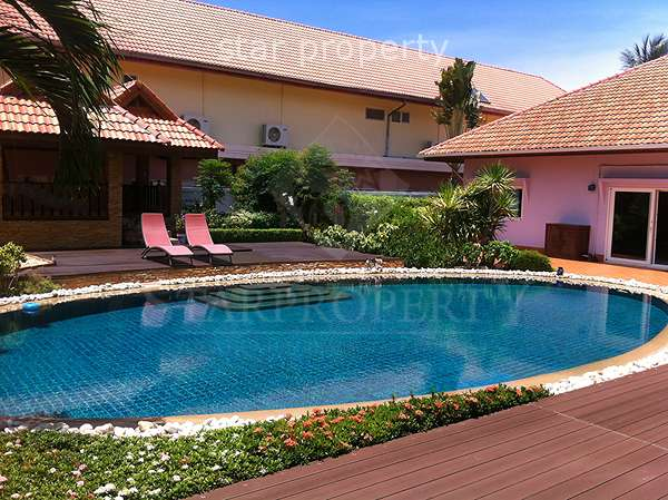 4 Bedroom Pool Villa for Sale in Pranburi