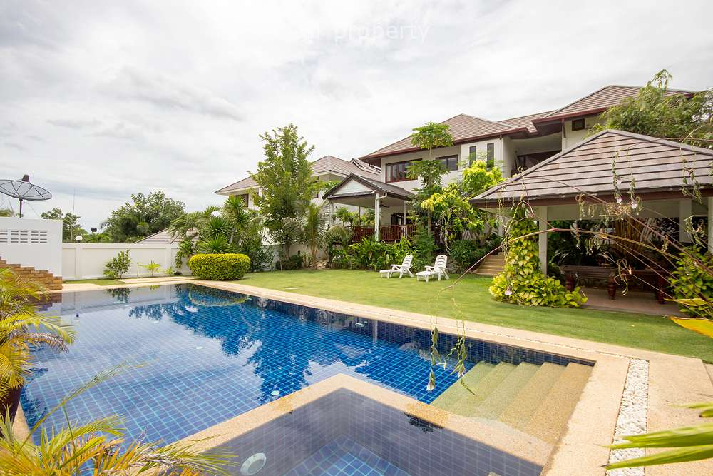 Villa Close to Town for Rent