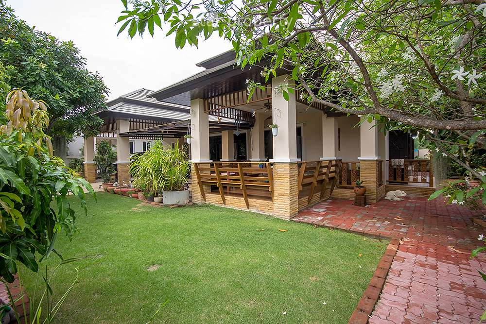 Stunning 4 Bedroom Bungalow at Nice Breeze Soi 6 for Sale at Hua Hin District, Prachuap Khiri Khan, Thailand