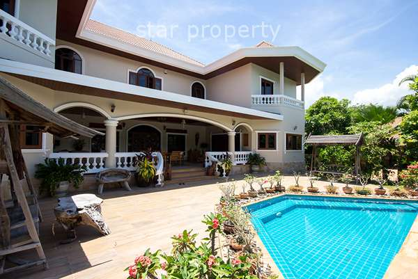 Luxury House with Pool for Sale in Hua Hin Soi 94